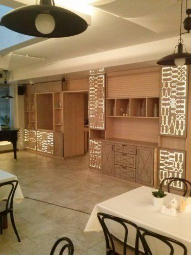 Gaminame prekybinius baldus, įrangą, projektuojame