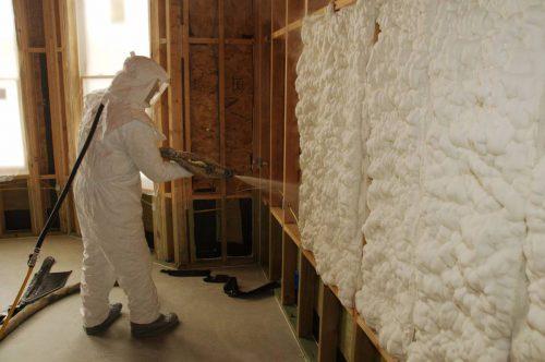 Šiltinimas uždarų ir atvirų porų poliuretano putomis