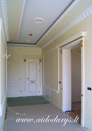 Durys, laiptai
