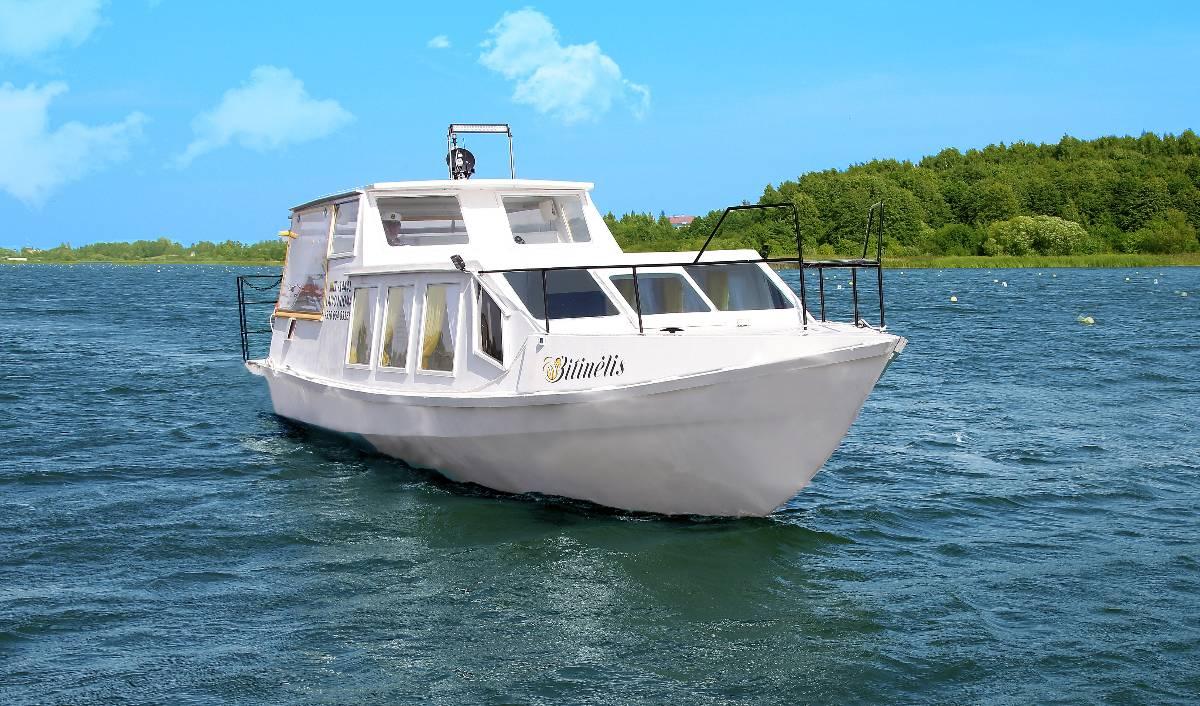 """Laivo """"Bitinėlis"""" nuoma Talkšos ežere Šiauliuose"""