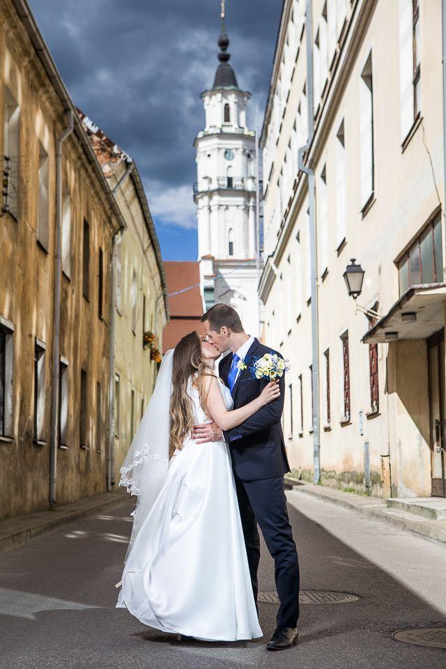 Vestuvių, krikštynų, asmeninės fotosesijos studijoje Kaune ir išvykoje – fotografų pora