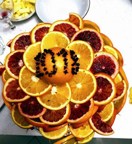 Vaisių tortai ir šventės dekoras