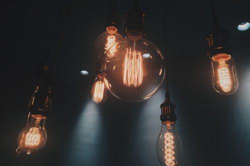 Įmonė teikia elektriko paslaugas