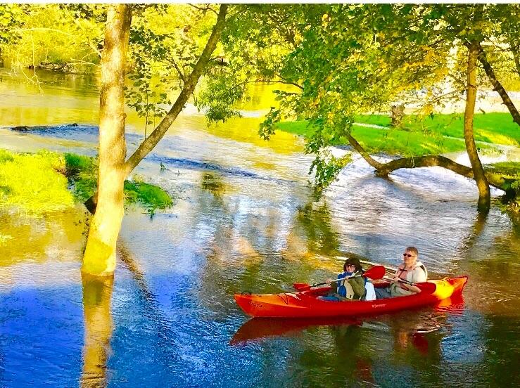 Sodybos, pirties, baidarių nuoma prie Šventosios upės.
