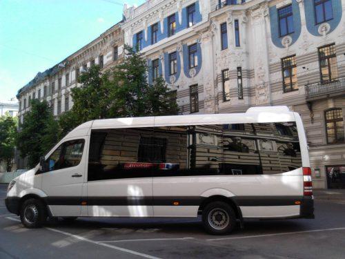 Mikroautobuso su vairuotoju nuoma