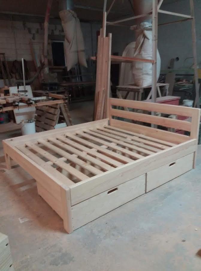 Medinės lovos