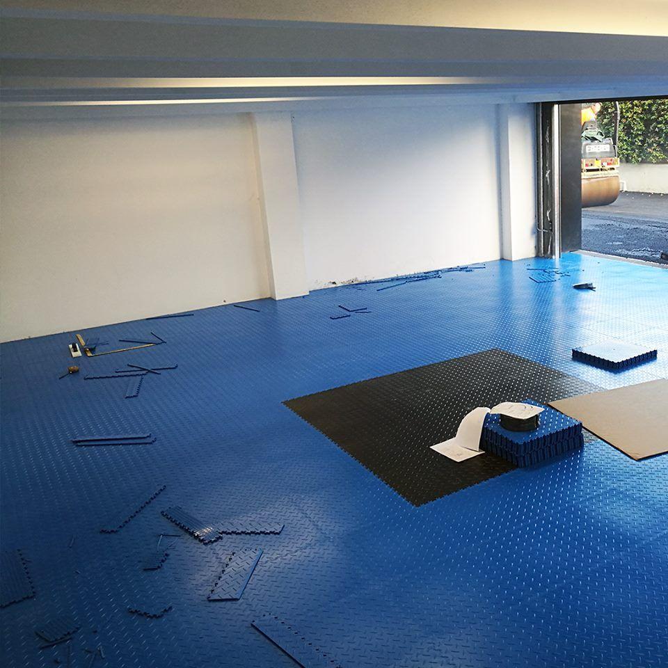 Greitas senų grindų atnaujinimas  surenkamos PVC grindys